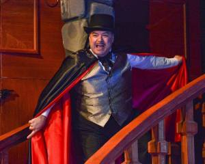 Randy Pearlman in THE GAME'S AFOOT at WaterTower Theatre