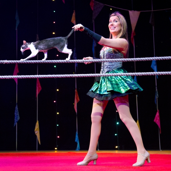 Mayya Panfilova and one of her acrobatic house cats in Zingari